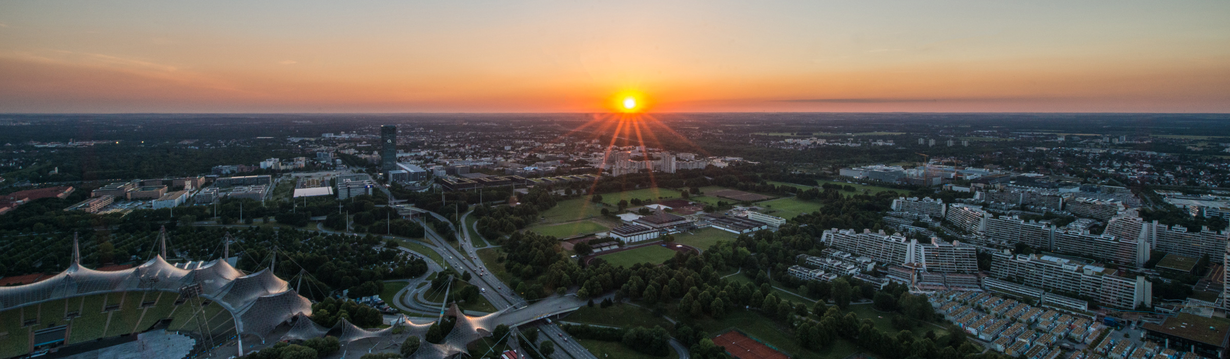 Sonnenuntergang am Olympiaturm